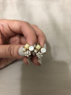 夾式耳環 - 低調閃亮白