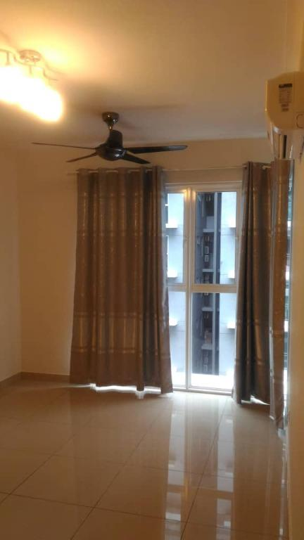 Ara Damansara, Pacific Place, Partially Furnished 2R2B unit for RENT!