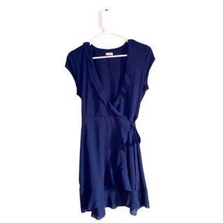 aritzia sunday best wrap dress