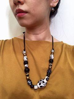 Ceramic beads statement necklace
