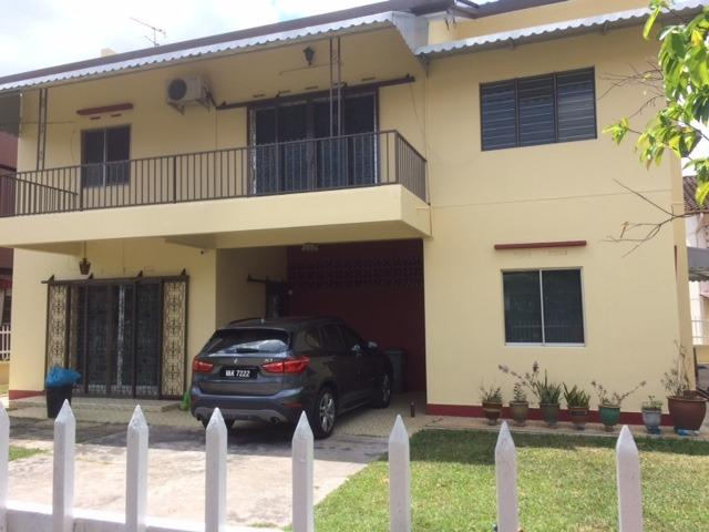 Furnished Private single room at Bukit Baru (near Gen Hospital, Open Uni & Batu Berendam Industrial Zone.