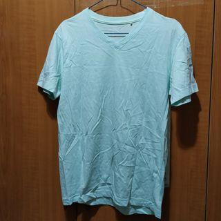 GU素色V領上衣淺藍