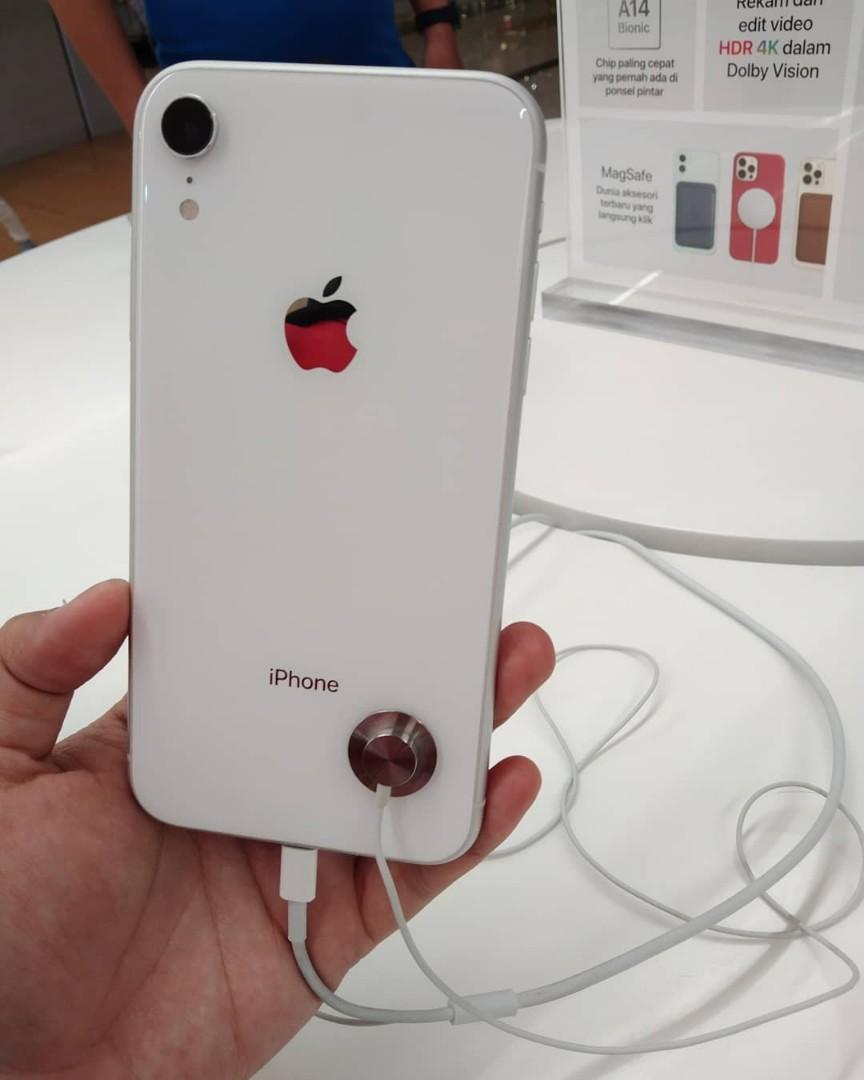 iPhone Xr 128 GB  Promo bunga 0 % dan gratis 1x angsuran by home credit