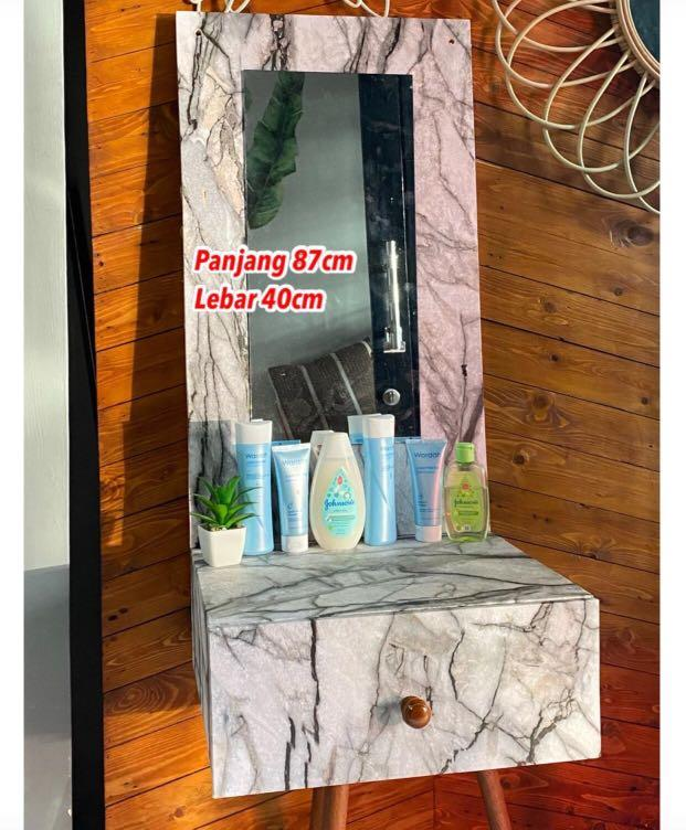 Meja rias minimalis murah cermin tempel dinding