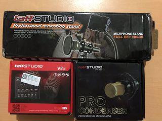 Mic, soundcard, dan microphone stand