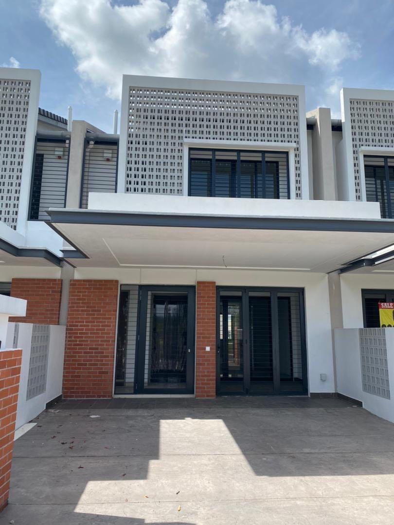 No Facing Other House,Double Storey Terrace House Elmina Green Phase 1