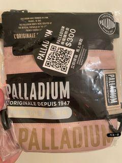 Palladium 多功能斜背包711