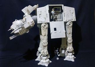 Star Wars figure. AT-AT Imperial Vehicle. KENNER 1997