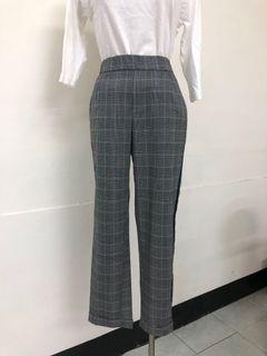 Zara 運動風格紋褲