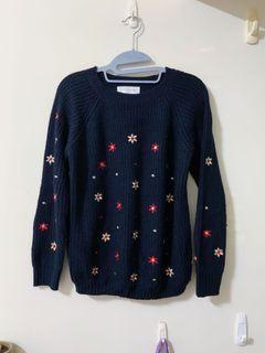 【免費贈】刺繡小花針織毛衣