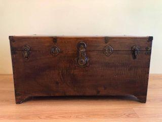 民國初 樟木箱 camphor wooden box at the beginning of the Republic of China