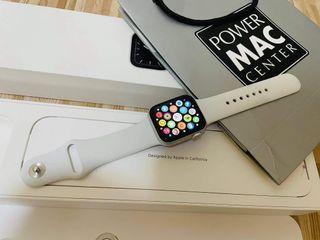 Apple Watch Series 5 40mm under warranty