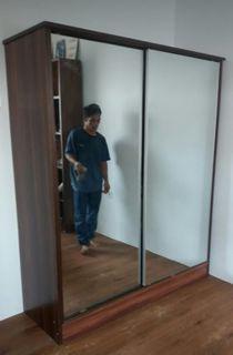 Lemari sliding dua pintu minimalis