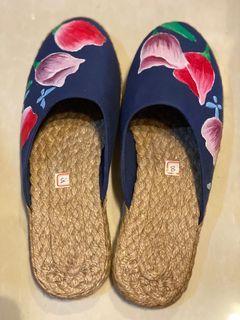 Liliw Laguna Ladies Slippers Handpainted