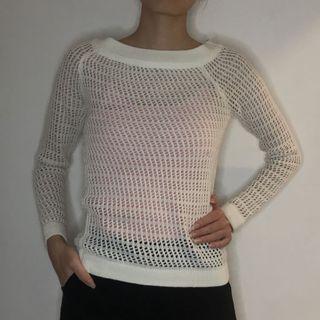 Outer net white sweater jaring rajut