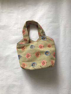 Vintage Daisy Brocade Bag