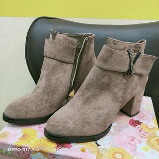 ANN'S絨布卡其色短靴 36號 展示鞋