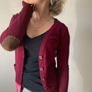 Buttoned Cardigan in Burgundy with Beige