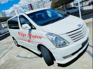 Hyundai Grand Starex 2.5 At- white