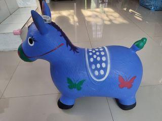 Mainan Kuda-Kudaan Bisa Bunyi (Mulus Seperti Baru)