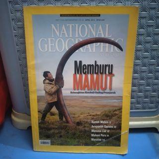 MAJALAH NATIONAL GEOGRAPHIC EDISI MEMBURU MAMUT PRASEJARAH PRELOVED BEKAS