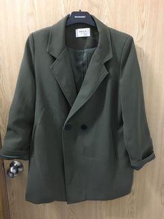 正韓 墨綠色 深抹茶色 軍綠西裝外套 #我媽的