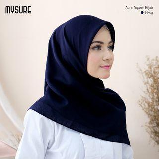 Aune Hijab Square