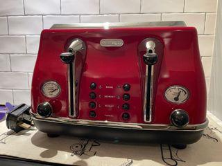 De'Longhi toaster 4 slices- hard to find