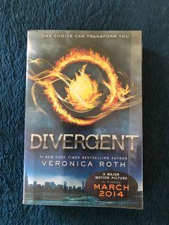 Divergent English Softcover