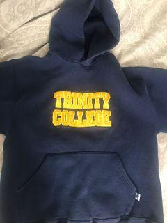 Medium sized navy sweater, no flaws