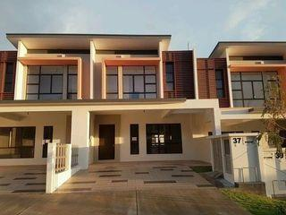 NILAI [BELOW MARKET VALUE] FREEHOLD DOUBLE STOREY 20X75 [GATED & GUARDED]