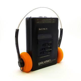 Sony Walkman WM-FX33 Portable AM/FM Radio/Cassette Player In Excellent Working Condition. Made in Japan!