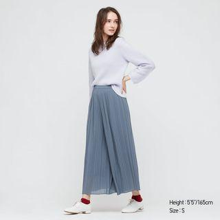 Uniqlo Chiffon Pleated Pants