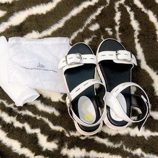 白色涼鞋 39號