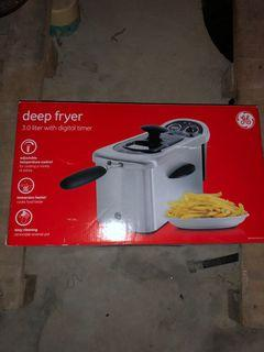 GE 12-Cup 1500 Watt Deep Fryer with Viewing Port and Digital Timer