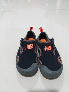 New Balance Sepatu Anak Laki