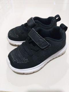 Toezone sepatu anak laki