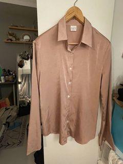 韓國買的襯衫 珍珠貝殼光襯衫