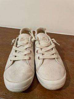 Roxy 休閒小白鞋