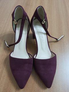酒紅色中低跟高跟鞋24.5~九成新