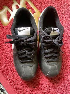 正品黑色阿甘鞋