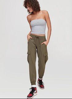 Aritzia TNA pants size small