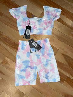 Bo+Tee 2 piece workout set bottom is size S top is size M