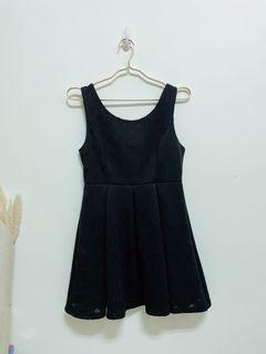 轉賣Fifty precent無袖點點百摺連衣裙黑洋裝
