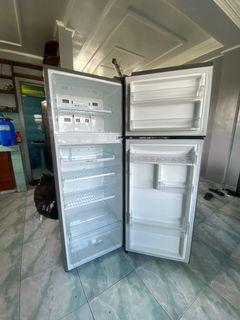 LG Refrigerator (GRB202SQBB)