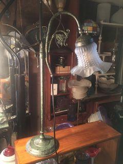 早期藝術桌燈 燈座是青銅