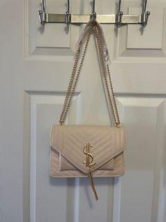 Bag in cream with gold straps