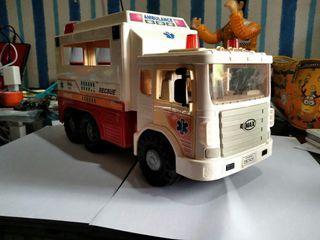 Dijual mobil Ambulance mainan