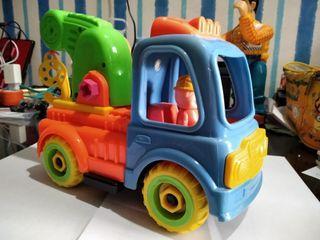 Dijual mobil derek mainan