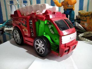 Dijual mobil mainan robot